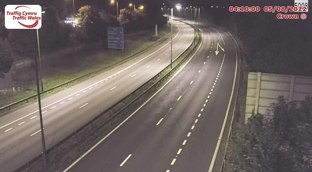 M4 westbound between junctions 44 and 45 (Lon Las and Ynysforgan)